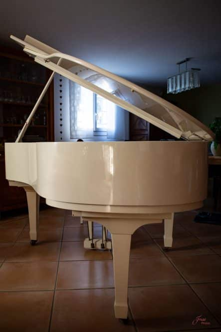 expertise conseil achat piano occasion 83 var Toulon St Tropez Hyères Bormes