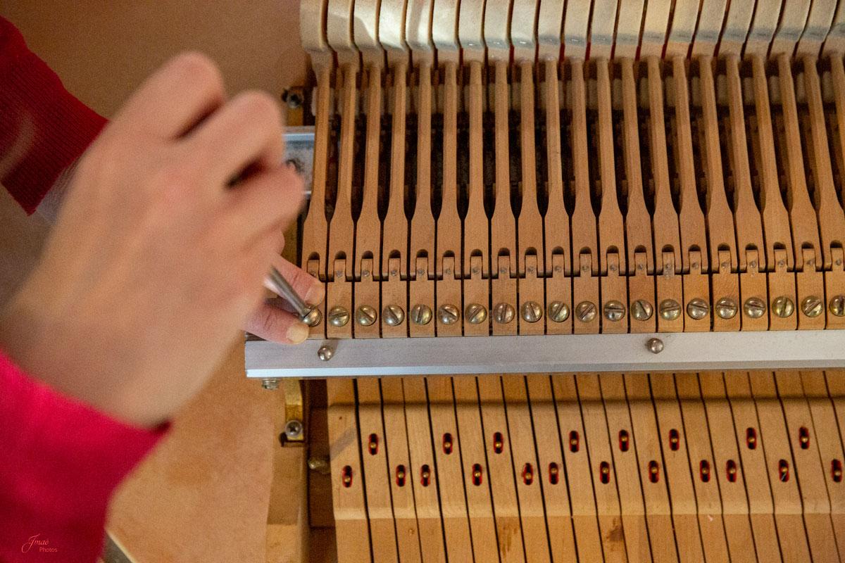 Agnès Musique répare et règle votre piano droit et à queue, pour améliorer votre toucher